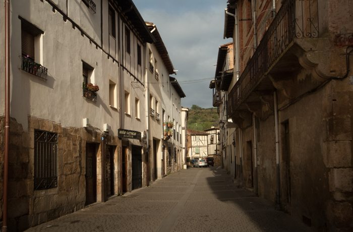 Straatbeeld van 'ons dorpje'.