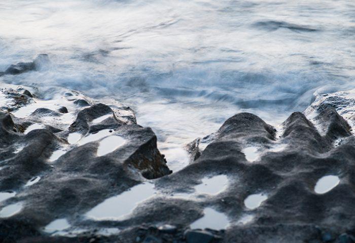 De overgang tussen land en water is fotografisch altijd uitdagend