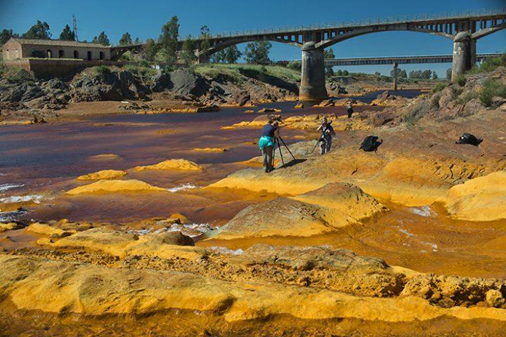 Struinen door het onwerkelijke 'maanlandschap' van de Rio Tinto.